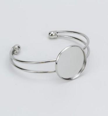 Armband verzilverd open met 25 mm top.