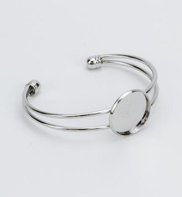 Armband verzilverd open met 20 mm top.